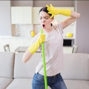 Five main rules for cleaning a house during a quarantine lyrics