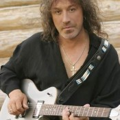Blog Post : Pugacheva, guitars, unreleased romance and other facts about Vladimir Kuzmin